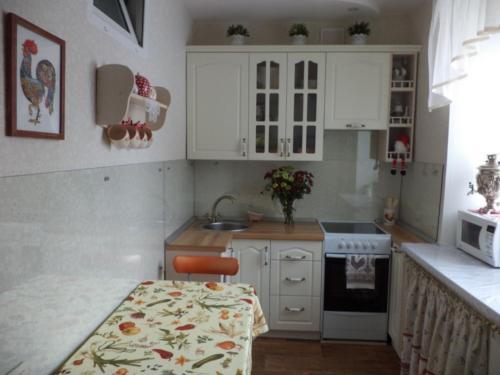 Кухня 033 цена: 33000 руб.