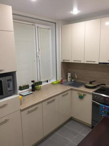 Кухня 037 цена: 60000 руб.