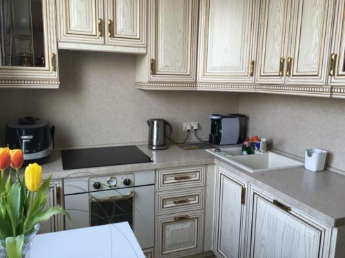Кухня 042 цена: 75000 руб.