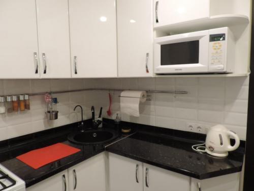 Кухня 048 цена: 58000 руб.