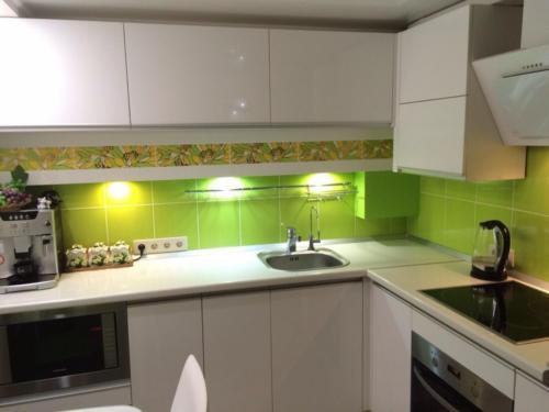 Кухня 050 цена: 60000 руб.