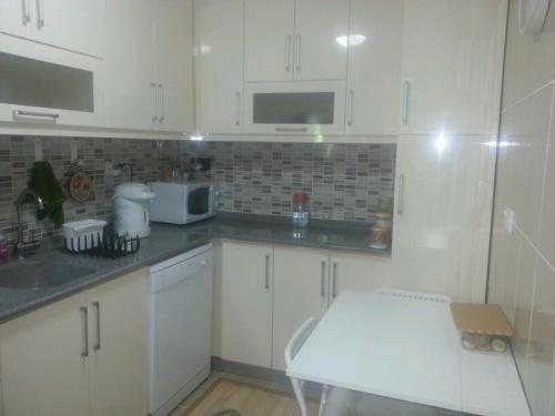 Кухня 055 цена: 68000 руб.
