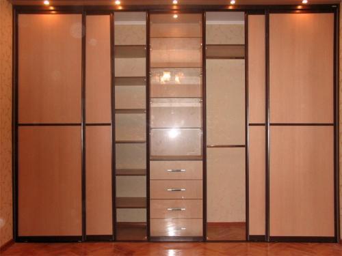 Шкаф-купе 023 цена: 40000 руб.