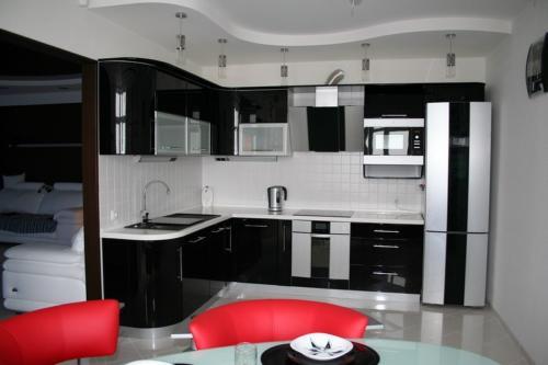 Кухня Эмаль 011 цена: 105000 руб.